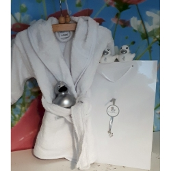 Baby shower bathrobe white & 3 ducks in a gift bag